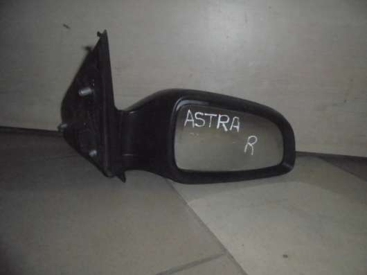 Правое зеркало на Опель Астра H