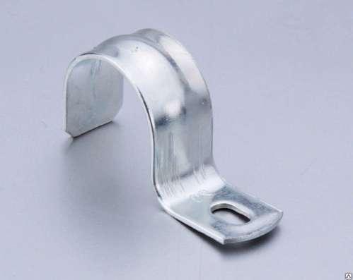 Скоба металлическая двухлапковая 21-22 мм