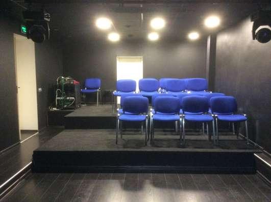 Концертный зал со сценой м. Университет в Москве Фото 1