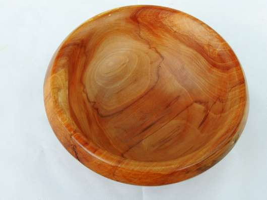 Красивая вазочка-плошка из красивой старой яблони