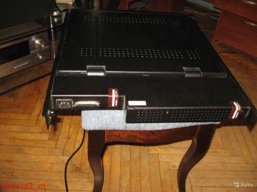 APC AP5017 17 Rack LCD Keyboard Mouse