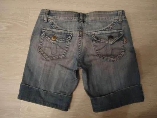 Бриджи (шорты) джинсовые, размер 27 в Новосибирске Фото 2