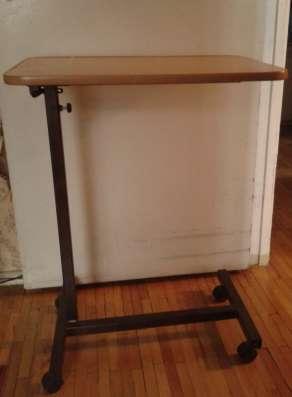 Прикроватный столик