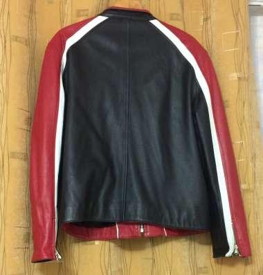 Продаю куртку кожанную 48-50 размер. Цена 10 000руб