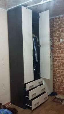 Продам зеркальный шкаф-купе и шкаф в прихожую