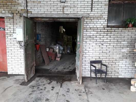 Сдам склад, 700 кв. м, м. Московская