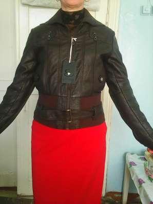 Куртка кожанная темно коричневая