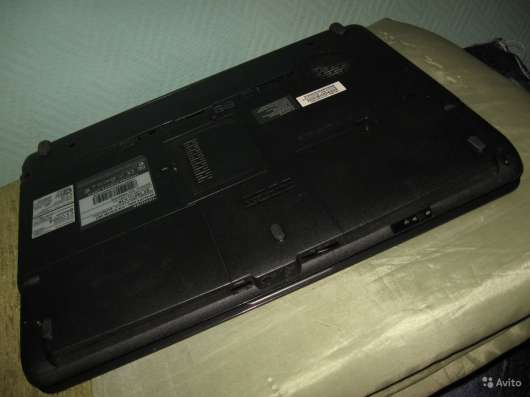 Нижняя панель для мат. платы Toshiba A300-27W в Москве Фото 3