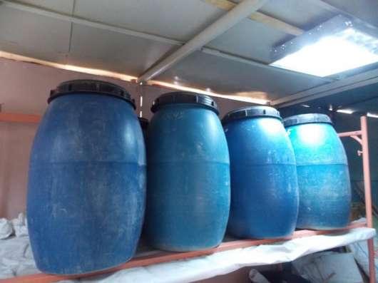 Бочки пластиковые бу 220 лт 2 горла и крышка резьба в Саратове Фото 1