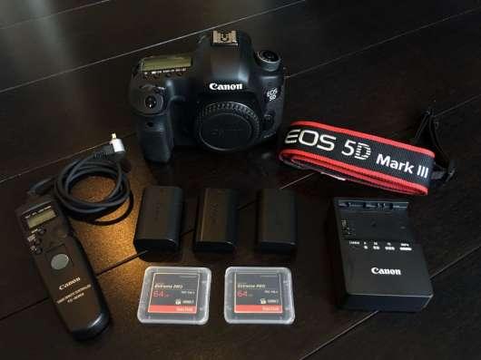 Canon EOS 5D Mark III DSLR камеры