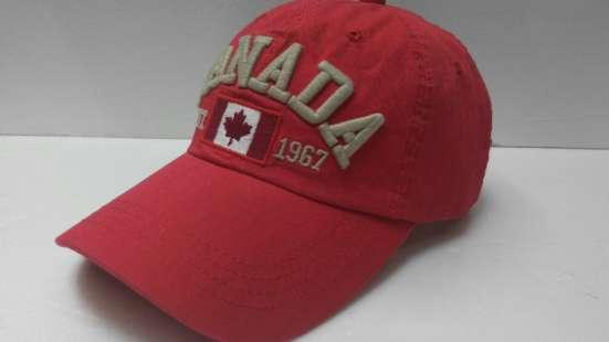 Бейсболка Canada red