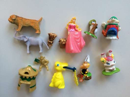 Игрушки из под киндера
