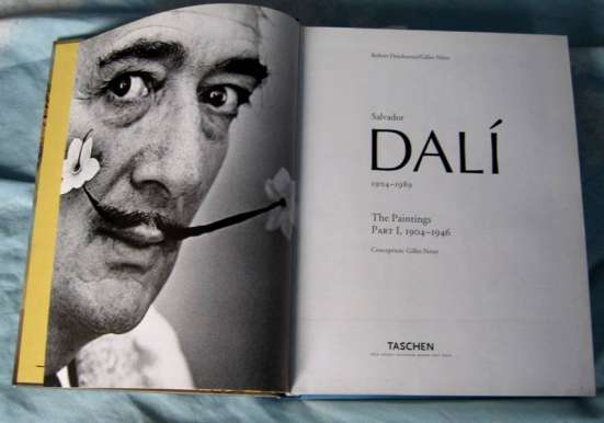 Книга на английском языке о Сальвадоре Дали