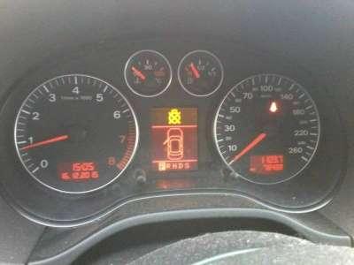 автомобиль Audi A3