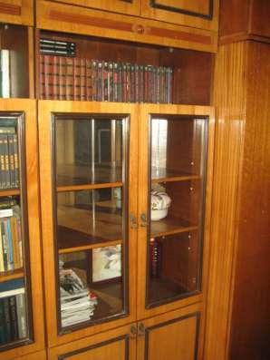 Шкаф/стеллаж книжный НЕ дорого в Владивостоке Фото 1