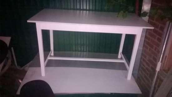 Стол кухонный белый