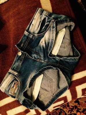 Шорты-джинсовые