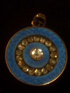 Медальон золото, бриллианты старой огранки, голубая эмаль