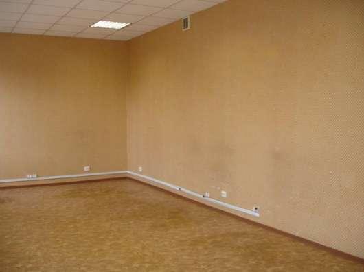 На Глухоозёрском шоссе сдаётся офис 37 кв. м. и 12.5 кв. м