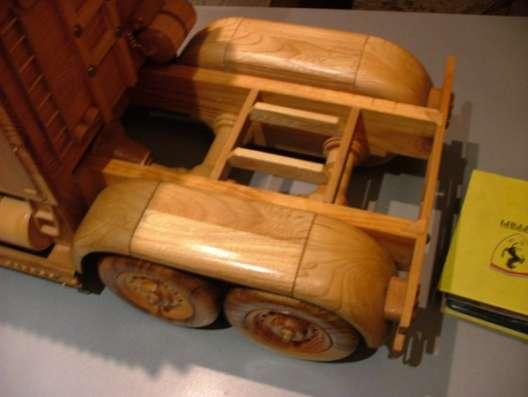 Машинка с дерева