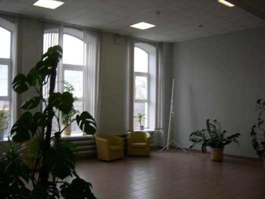 Предлагаю производственно офисное здание площадью 6800 кв. м