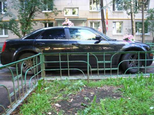 Крайслер 300C с водителем, седан премиум класса на свадьбу, 5500 за сутки в Москве Фото 2