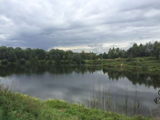 Продаю 11 соток в д. Барыбино Серпуховского р-на на озере