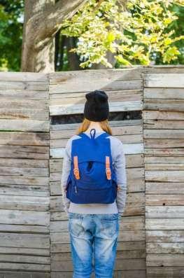 Стильный синий рюкзак мешок с коричневыми застежками