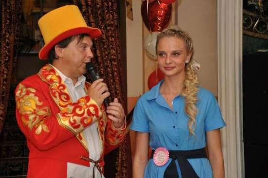 Современный ведущий и стильная певица. в Москве Фото 2