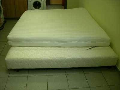 Кровати б/у в хорошем состоянии Andriyasevic King