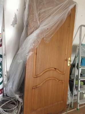 Межкомнатная дверь из массива дуба б/у в Москве Фото 1