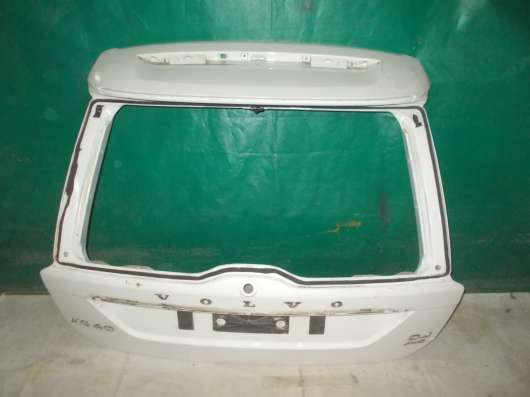 Оригинальная крышка багажника на Вольво xc60