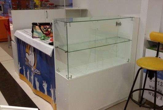 Продаются две боковые витрины с встроенной тумбой в Ижевске Фото 3