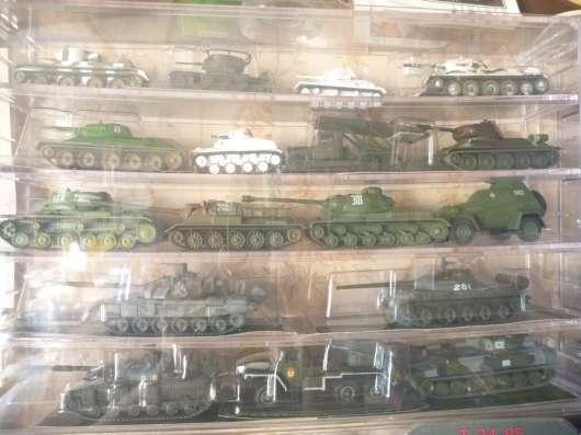 Коллекция военной техники (тяжелое вооружение и танки) в Москве Фото 1