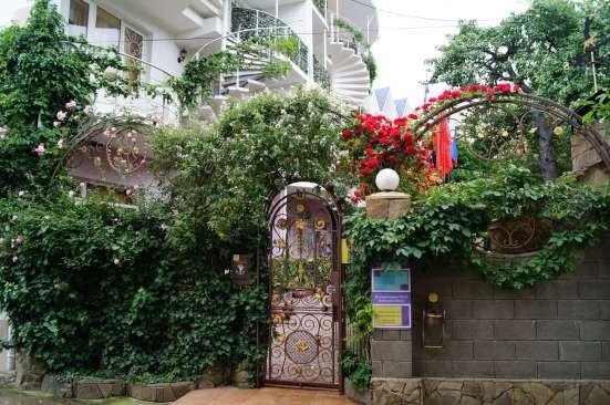 Гостевой дом Летучая мышь - красивая гостиница у моря в г. Алушта Фото 5