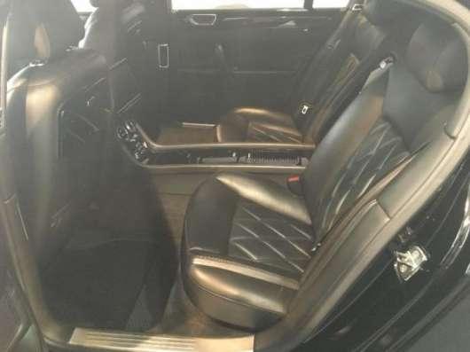 Аренда Bentley Continental Flying Spur черного и белого цвета в Астане.