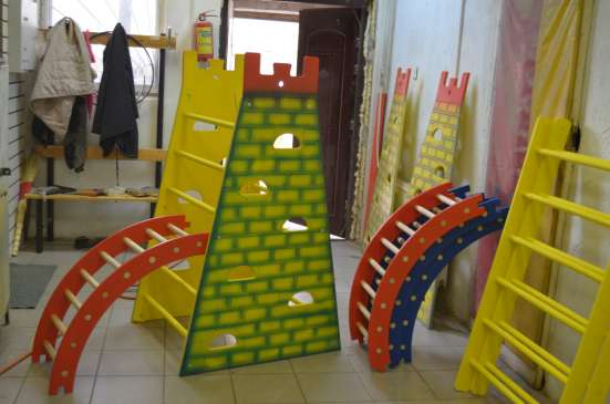 Башни для лазания с канатом различных моделей