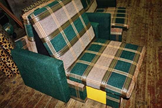 Выкатное мягкое кресло 70х190 см Зеленая клетка