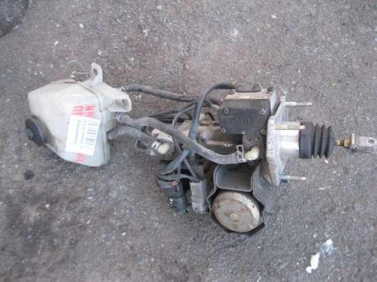 Насос тормозной жидкости (гидробустер) Тойота Приус NHW-10
