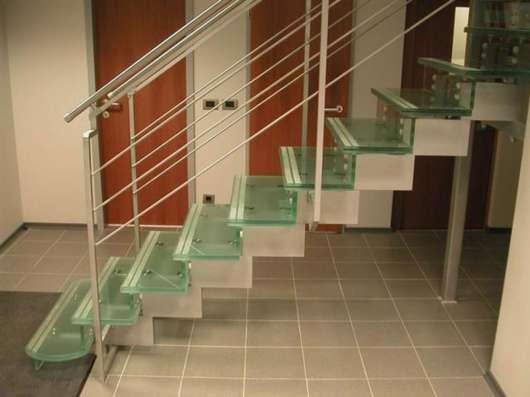 Стеклянные перила для лестниц, лестницы в г. Караганда Фото 1