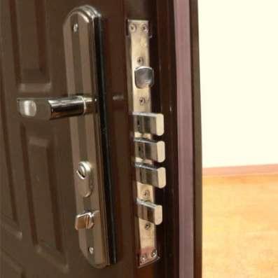 Установка металлических входных дверей в Сочи Фото 1
