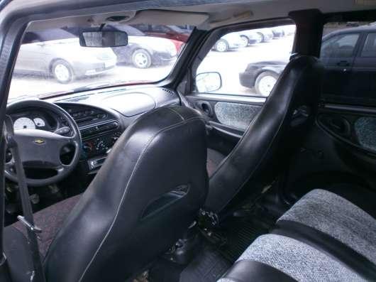 Продажа авто, Chevrolet, Niva, Механика с пробегом 120000 км, в Волжский Фото 1