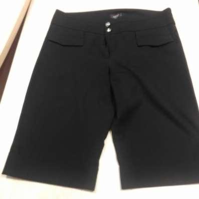 Черные женские шорты (до колена), брючной ткани, снизу манже в г. Минск Фото 1