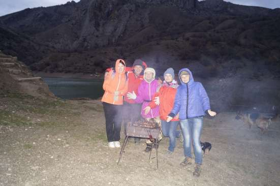 Коллектив гостиницы Летучая мышь в походе по реке Ускут в г. Алушта Фото 1