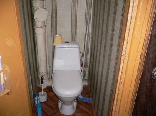 Продам 2 комнаты 40 м² в 4-к квартире