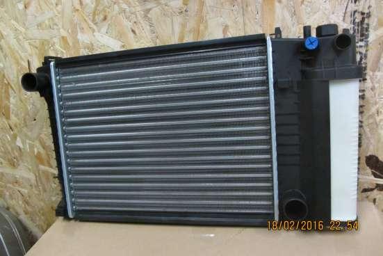 Радиатор охлаждения BMW-3 E30/E36