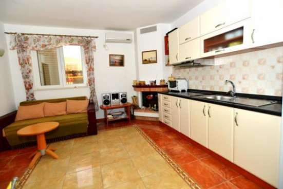 Срочно продаю Апартамент 96 м2 берег моря в Черногории пляж Kumbor