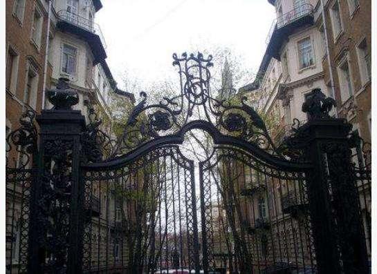 Сдаю 2 смежные комнаты 18 и 15 м рядом с метро Тургеневская.