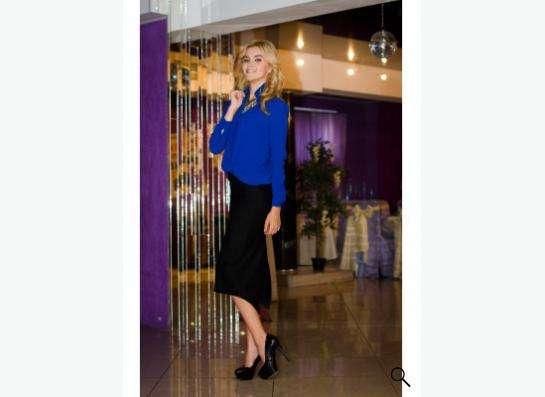 Черная юбка Elisabetta Franchi средней длины